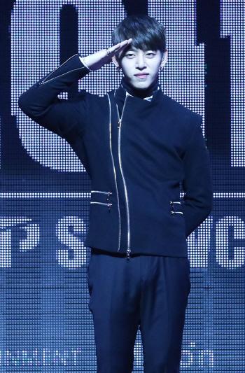 [포토]B.A.P 대현, '오랜만에 돌아왔어요'