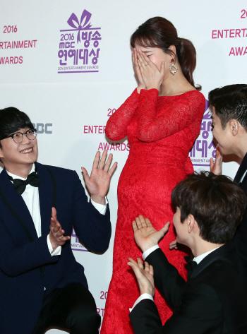 [포토]가수 백지영, '행복해요'