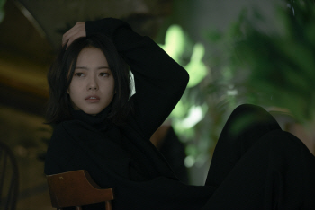 SM 떠난 고아라 '연애' 대환영, '19금 연기'는 아직(인터뷰)