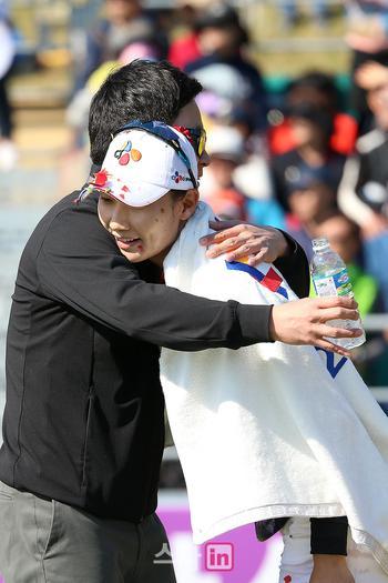 [포토] 김민선, '축하해요'