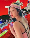 설리, 근황 공개 '매혹적 눈빛'