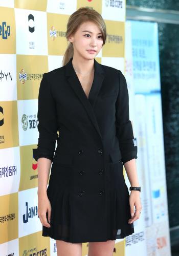 유인영, '긴 머리 변신~'