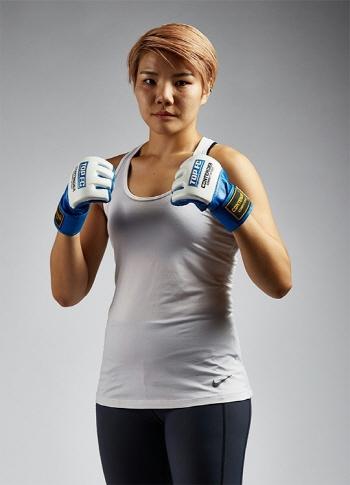 여성파이터 김지연, UFC 정식계약...강함 증명하겠다