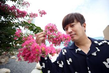 정명훈 알고보면 낯가리는 성격… '명훈아' 탄생 비결요?(인터뷰)