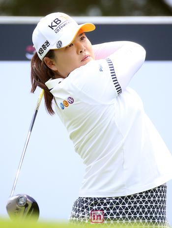[포토] 골프여제 박인비 '구력 넘치는 강력한 티샷'