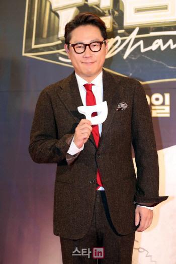 [직격인터뷰]윤종신 차트 1위 21년 만…변함 없는 이별감성 덕