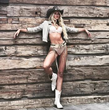 [포토]캔디스 스와네포엘, 비현실적인 몸매