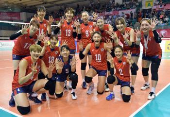 한국 여자배구, 난적 태국 꺾고 4연승 퍼펙트로 본선행