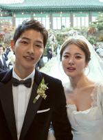 [단독]송중기♥송혜교 결혼식 불법 드론 띄운 中 매체 '형사입건'
