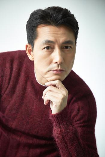 """정우성 """"미안한 기성세대 안 돼야지""""(인터뷰)"""