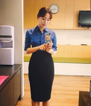 """임현주 MBC 앵커 """"안경, 화제될 줄 몰라…용기 얻어""""(인터뷰)"""