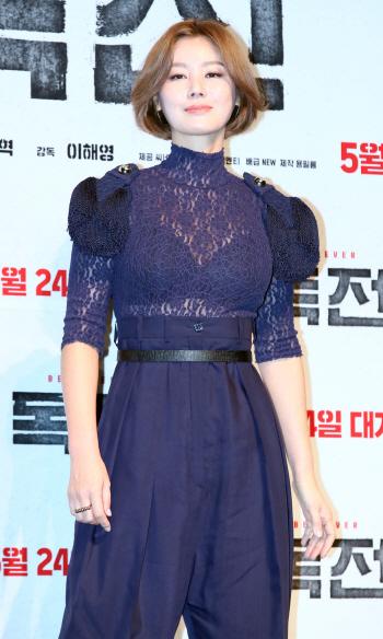 [포토]배우 김성령, '파격적인 시스루'