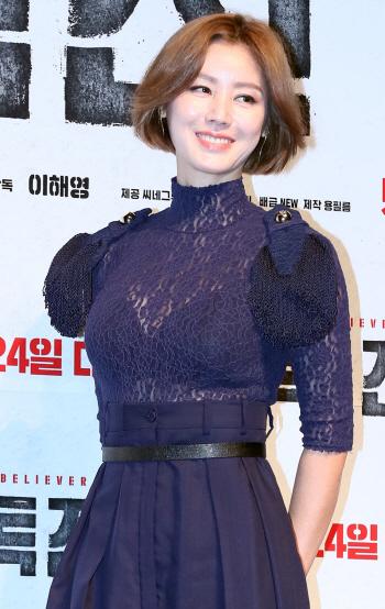 [포토]배우 김성령, '미소도 몸매도 자신있죠'
