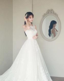 게임스타부부 탄생...김수현 아나운서·우왕굳 비공개 결혼식 올려
