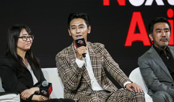 [글로벌OTT]②K드라마로 아시아 공략…하청 업체 전락 우려도