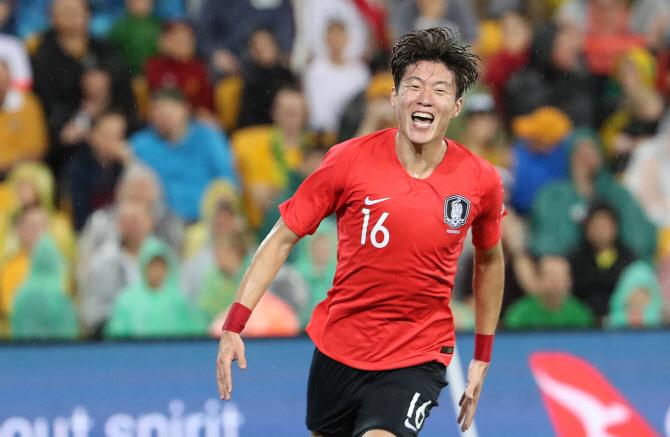 'A대표팀도 역시 갓의조' 황의조, 아시안컵 주전 공격수 예약