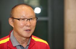 '박항서 매직'은 계속된다…베트남, 말레이시아에 2-1로 앞서