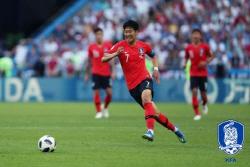 '손흥민, 독일전 쐐기골' 축구팬들이 뽑은 올해의 골