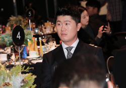 [포토] 박성국 '긴장되는 시상식'