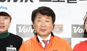 [포토]신다빈,신혜원 '이제 볼빅과 함께해요'