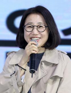 """""""목포 화재피해 복구 위해""""…김은숙 작가, 1천만원 기탁"""