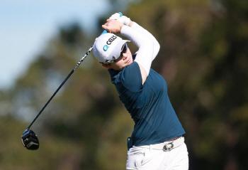 지은희, LPGA '왕중왕전' 이틀째 선두 경쟁...공동 2위