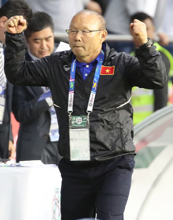 '아시안컵' 베트남 8강행