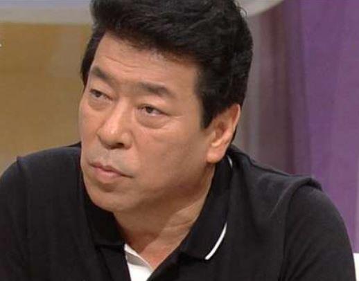 """[단독] 김동현 고소 소속사 대표, """"수백번 거짓말""""…문자 공개"""