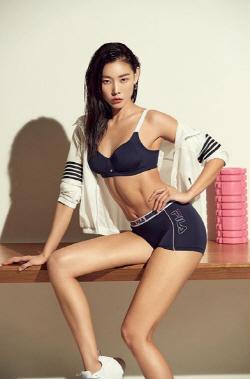 한혜진, 섹시 속옷 화보 공개