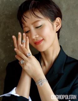 염정아, 발리 화보 공개 '패셔니스타 면모'