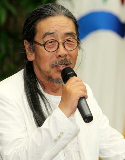 """이외수·전영자, 결혼 44년만에 결별…""""이혼 아닌 졸혼"""""""