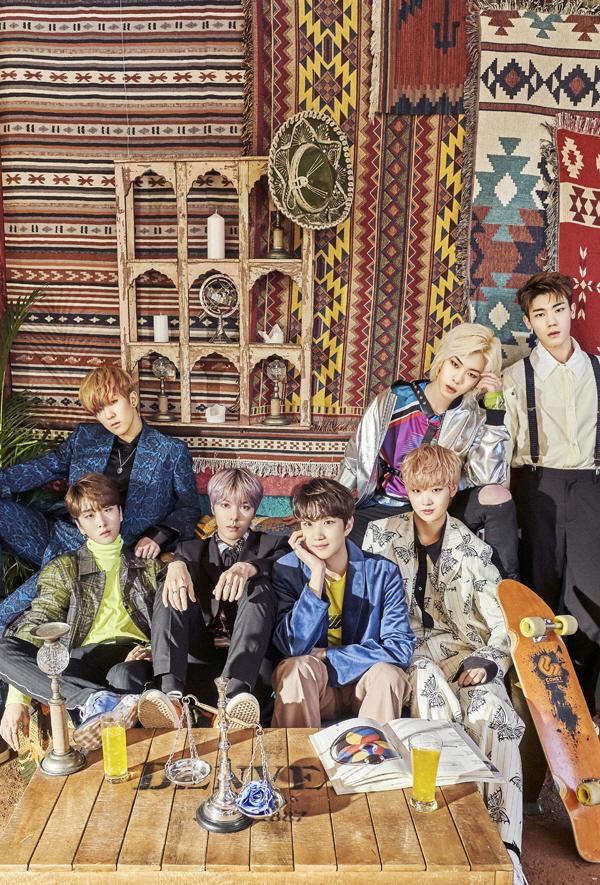 BTS 앞에서 'DNA' 공연 패기…뉴키드, 정식 데뷔 신고