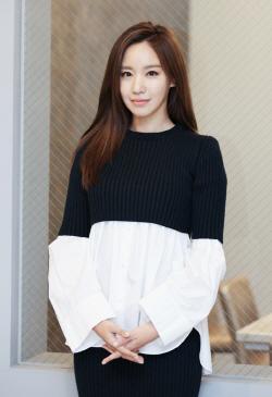김아중, JTBC '비밀 기획단' MC 확정