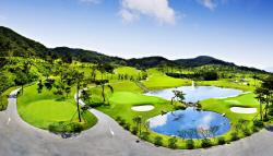 국내 골프장 이용료 8년 동안 17.4% 올라..캐디피는 23% 상승