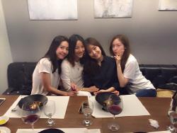 핑클, 완전체 예능은 '캠핑클럽'…캠핑카타고 전국여행