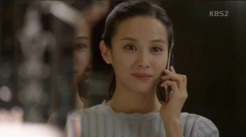 `완벽한 아내` 조여정, 미스터리 캐릭터로 긴장감 상승