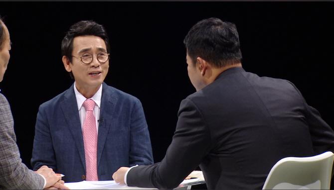 `썰전` 유시민 `文대통령, 샤이한 자연인이었는데..` 새로운 모습은?