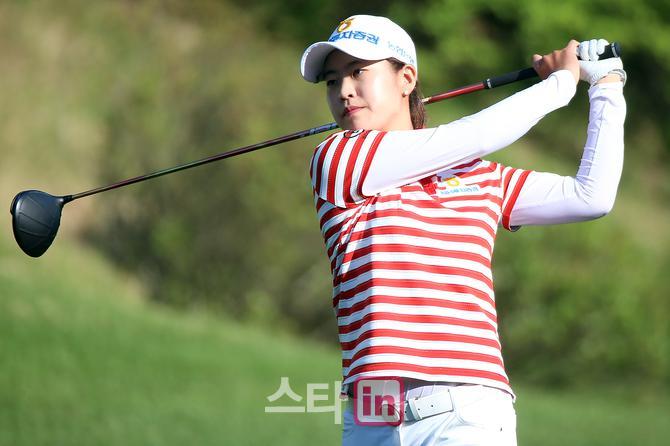 [포토] 박민지, `고진영을 상대로 3&2 승리 8강진출`