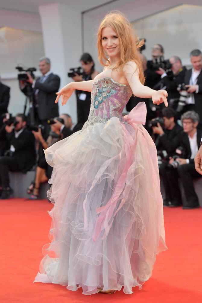 [포토]`베니스 국제영화제` 클라우디아 마르키오리, `눈길`