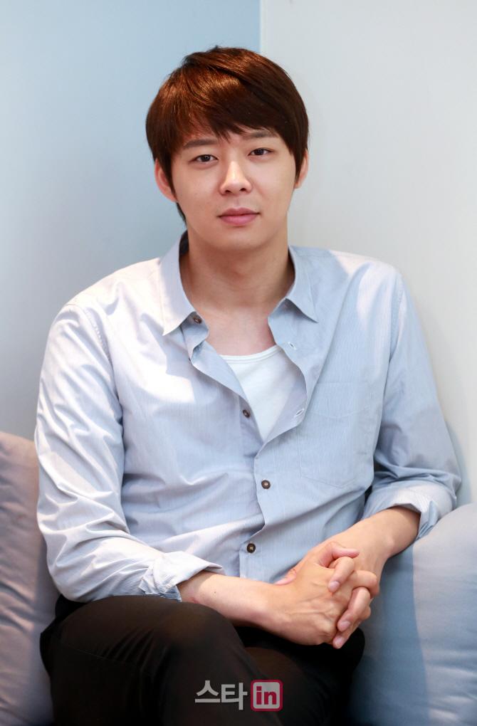 박유천-황하나 결혼 연기..고소女 기자회견 부담됐나