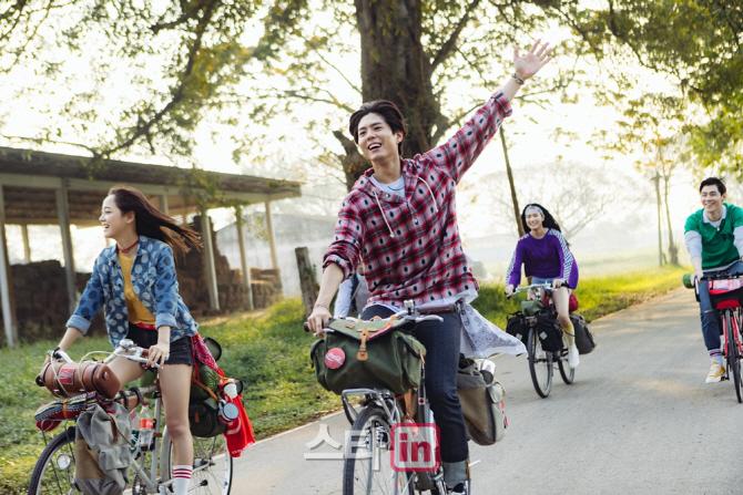 [포토]박보검-김세정, '코카-콜라 촬영 현장 공개'
