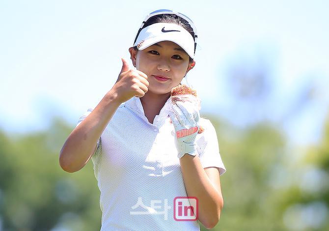 [포토] 빡블리 박소혜 '금강산도 식후경 간식이 최고에요'