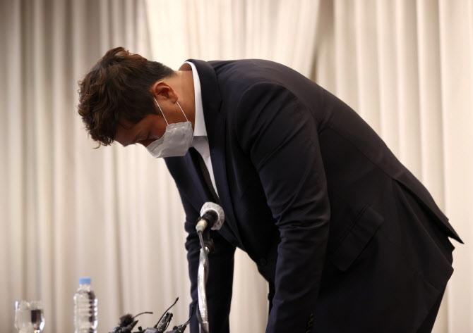 """이대호 선수협회장 """"판공비, 셀프인상 아니다...증빙서류 미제출은 잘못"""""""