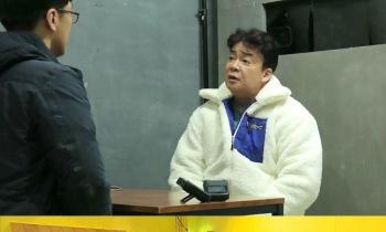 """'골목식당' 백종원, 연어새우덮밥집에 """"포기해도 돼"""" 폭탄 발언"""