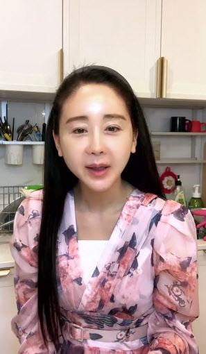 """함소원, 단톡방서 여론조작 의혹…""""항의 메일 보내주세요"""""""