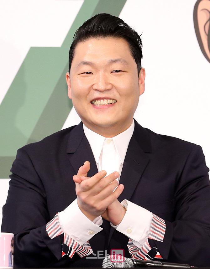 """'컴백' 싸이 """"초심은 '하고 싶은 걸 하려 딴따라가 된 나'"""""""
