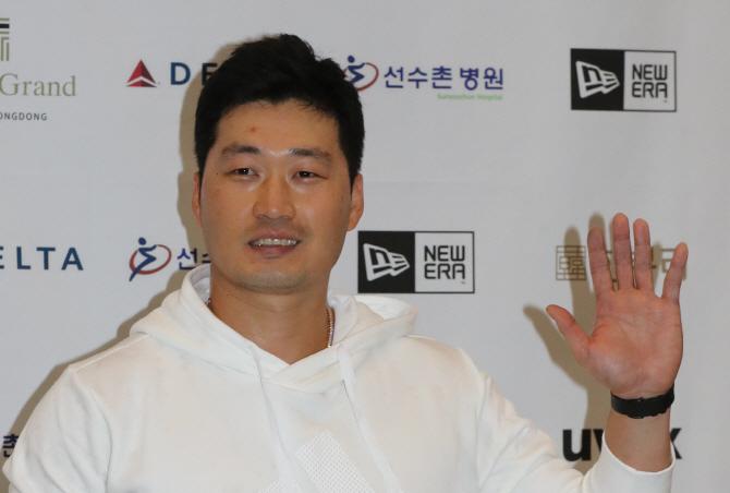 """美 언론 """"애리조나, 오승환에 관심"""""""