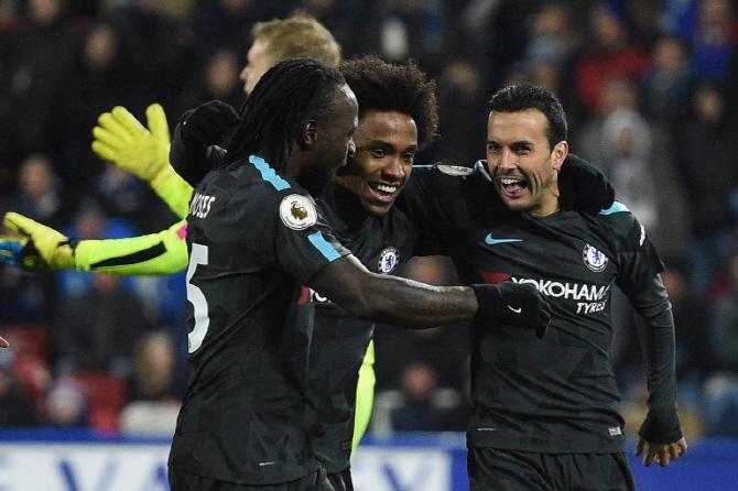 첼시, 허더즈필드 꺾고 2위 맨유와 승점 동률