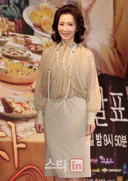 전인화, 유일용 PD '자연스럽게' 출연 확정…데뷔 후 첫 예능