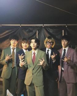 """잔나비 최정훈 """"열심히 처절하게 활동..위선 아니었습니다"""""""
